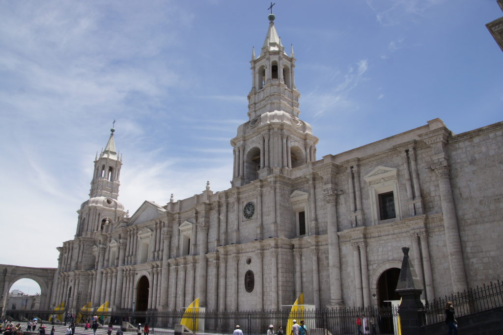VISITER AREQUIPA - SA CATHEDRALE