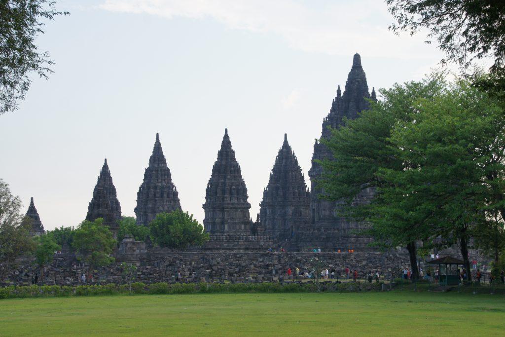Temple de PRAMBANAN à 17 km au Nord Est de Yogyakarta en fin d'après-midi