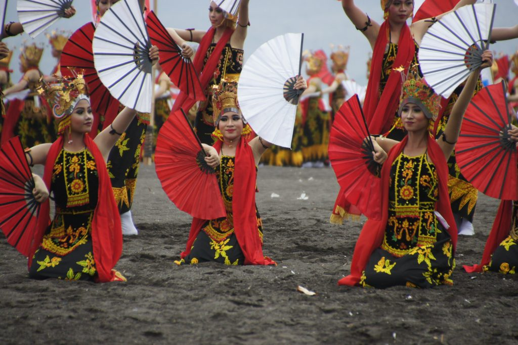 Spectacle de danses lors du CIRCUIT 15 JOURS INDONESIE