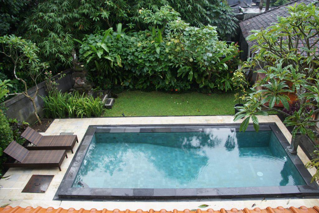 Piscine de ESTY HOUSE Guest House en plein cœur d'UBUD à BALI