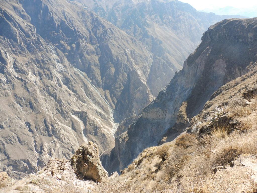 Vue de la Croix du Condor dans le Canyon DE colca