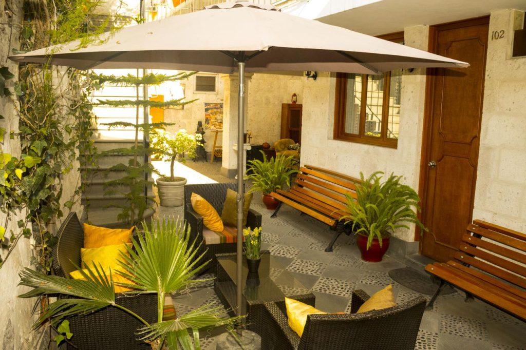 HOTEL EL PATIO DE ELISA plein centre d'AREQUIPA encore un de ma sélection HOTEL PAS CHER PEROU