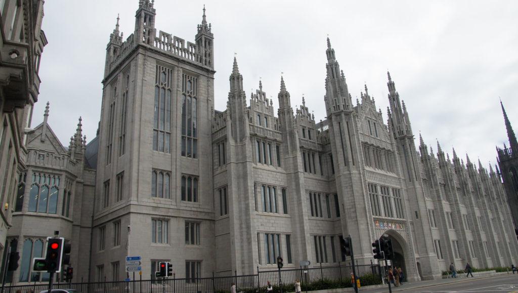 Aberdeen et les châteaux des Monts Grampians université d'ABERDEEN