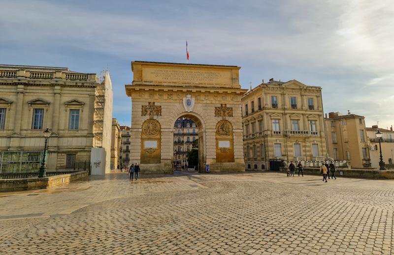 Visiter Montpellier à pied avec l'Arc de Triomphe