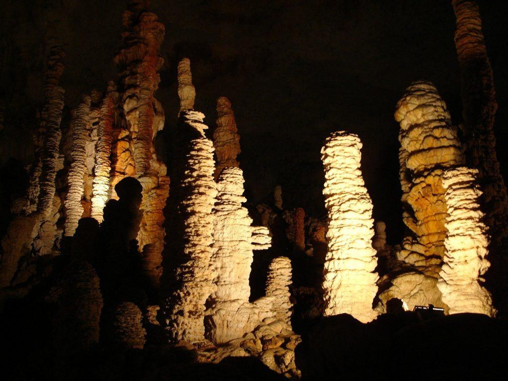 Que voir en Ardèche : Grottes