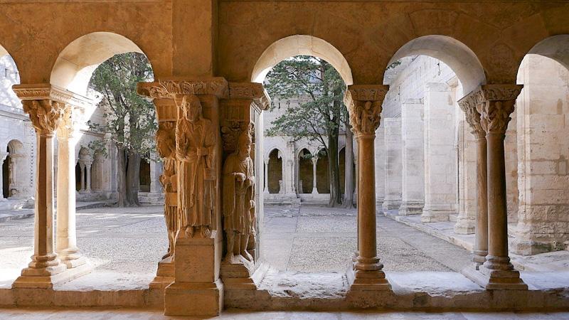 Arles en 1 jour – Cloître Saint Trophine