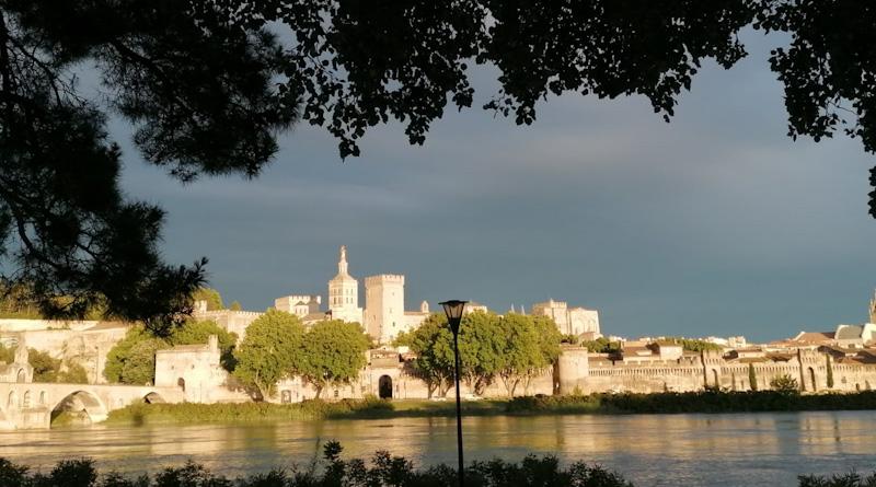 Avignon étape de mon circuit en train pour visiter le sud de la France