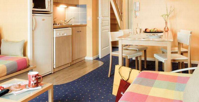 Salon Résidence Adagio dans mes 5 meilleurs hotels pas chers à Paris pour une famille