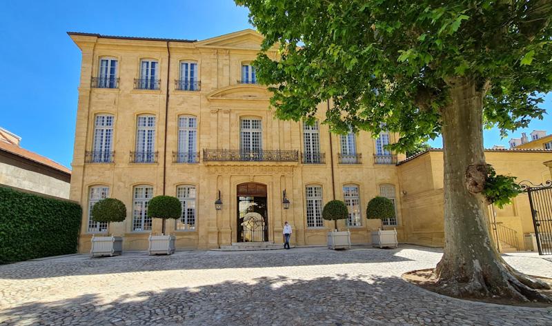 HOTEL DE CAUMONT étape de mon circuit pour visiter Aix en Provence en 1 jour