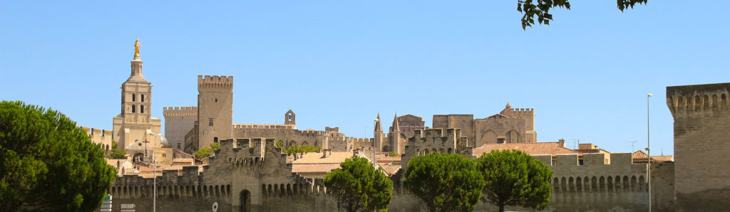 Parmi les étapes de mon circuit de 10 jours dans le sud de la france voici Avignon