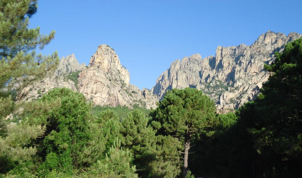 Col de Bavella et ses aiguilles
