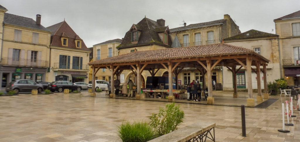 BEAUMONT DU PERIGORD étape de notre circuit de la Dordogne en 2 jours