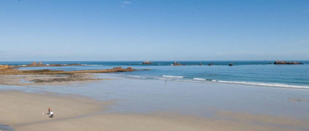 belle et grande plage Bretagen Meilleur hôtel pas cher acceptant les chiens