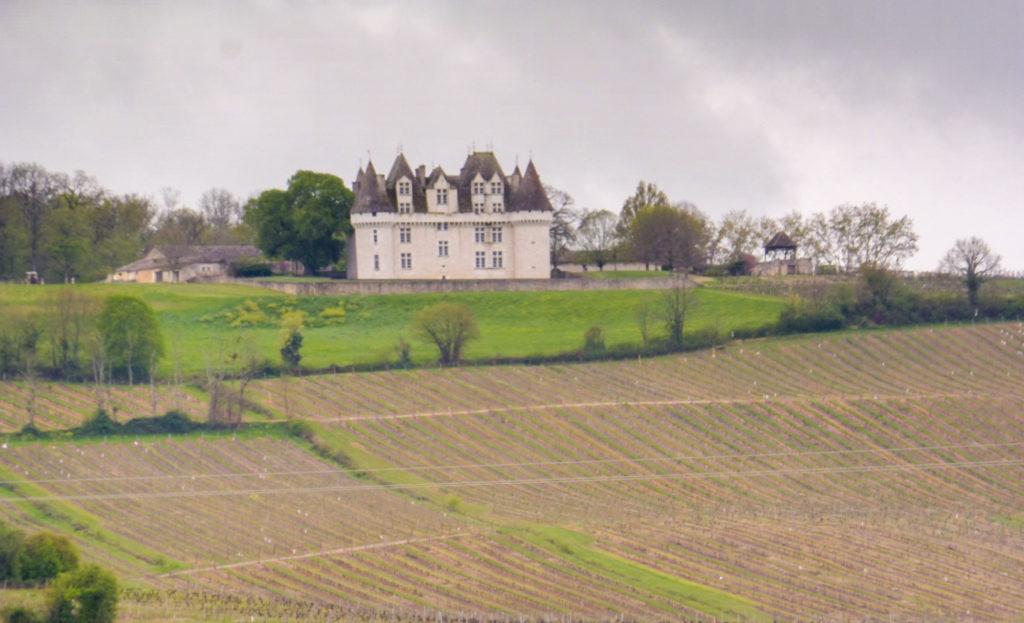 CHATEAU MONBAZILLAC sur la route de notre circuit en Dordogne