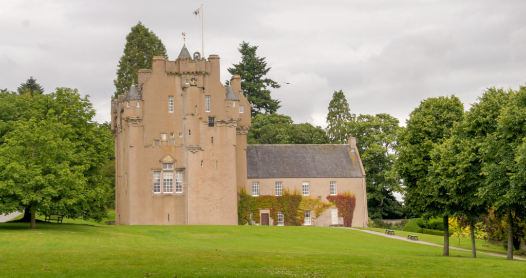 Aberdeen et les châteaux des Monts Grampians CHATEAU CRATHES