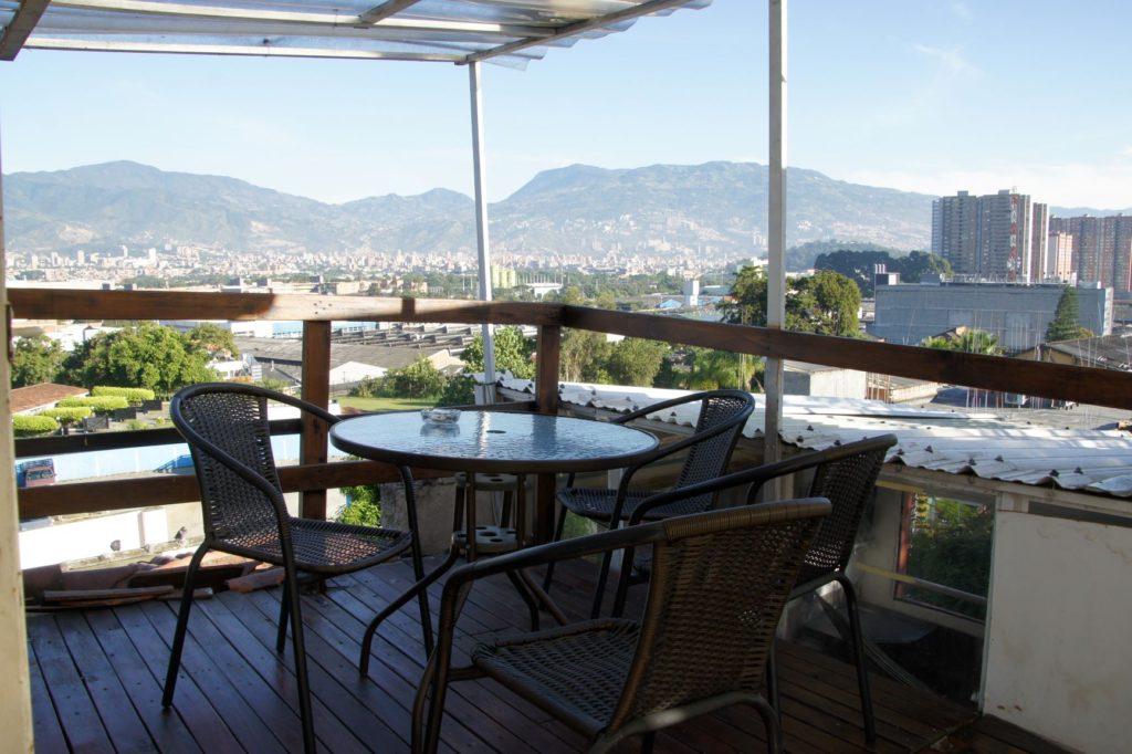 terrasse de notre hotel pas cher Medellin