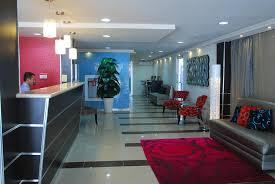 Mon HOTEL PAS CHER PANAMA CITY : Entrée du METRO HOTEL PANAMA
