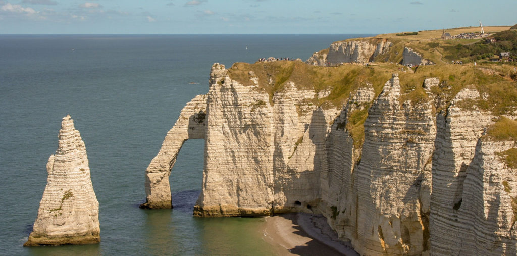 Falaises d'Etretat étape de mon circuit Normandie Bretagne en voiture