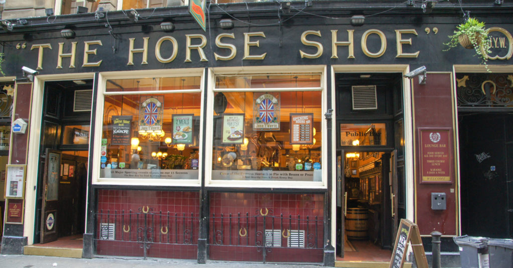 GLASGOW PUB THE HORSE SHOE