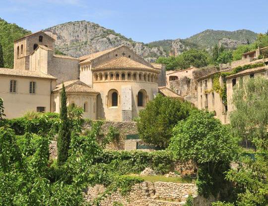 Saint-Guilhem le Désert dans les Gorges de l'Hérault