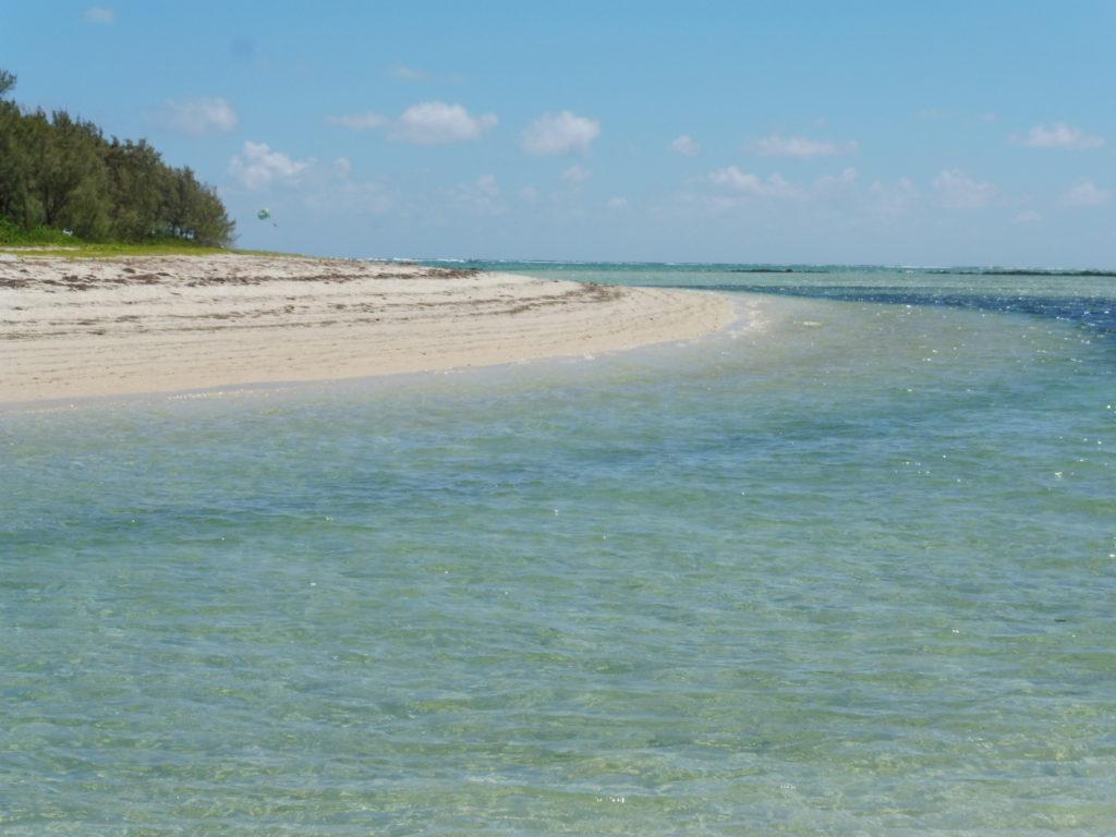 cote Est de l'Ile Maurice - Plage de L ILE AUX CERF