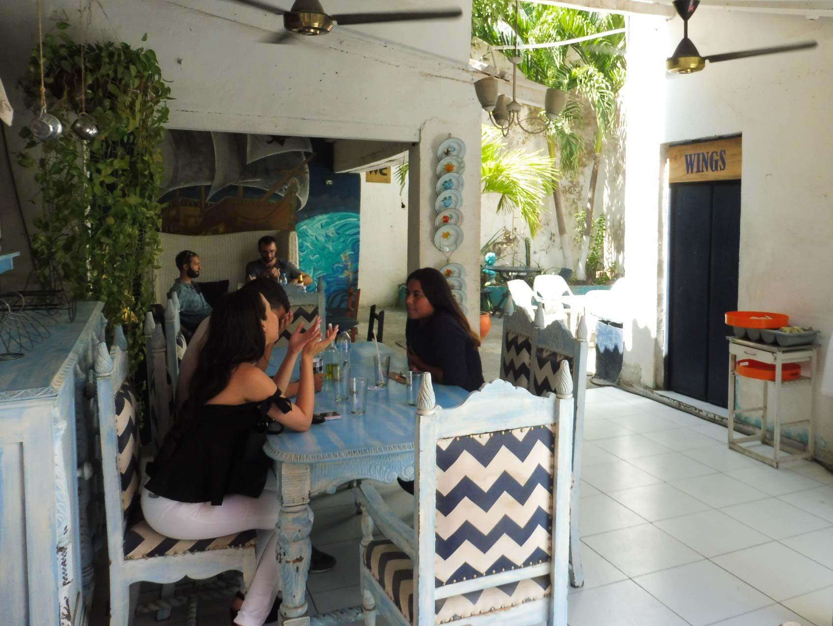 MANGER PAS CHER SANTA MARTA - Restaurant Caribbean Wings
