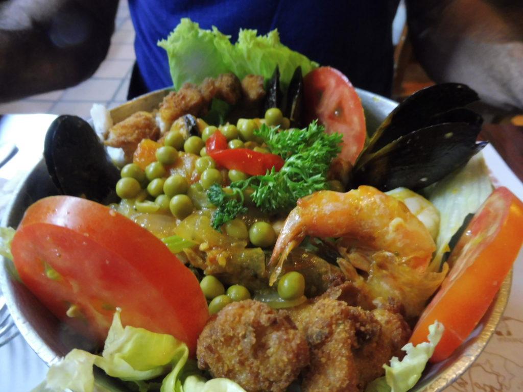 Restaurant El Trapiche Panama City plat typique cacuela de mariscos