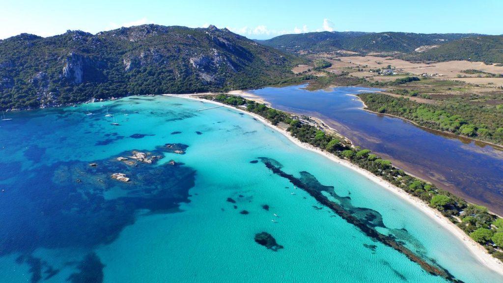 PLAGE SANTA GIULIA une des plus belles de Corse