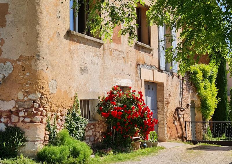 Photo d'une maison typique de Provence prise lors de mon road trip dans le sud de la France