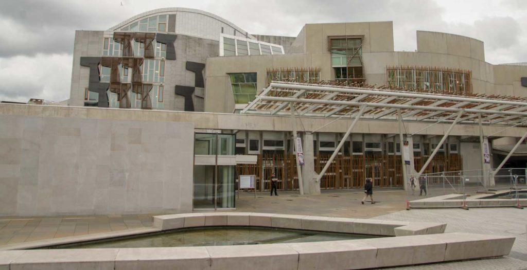 Visite à pied des incontournables d'Edimbourg : le Parlement