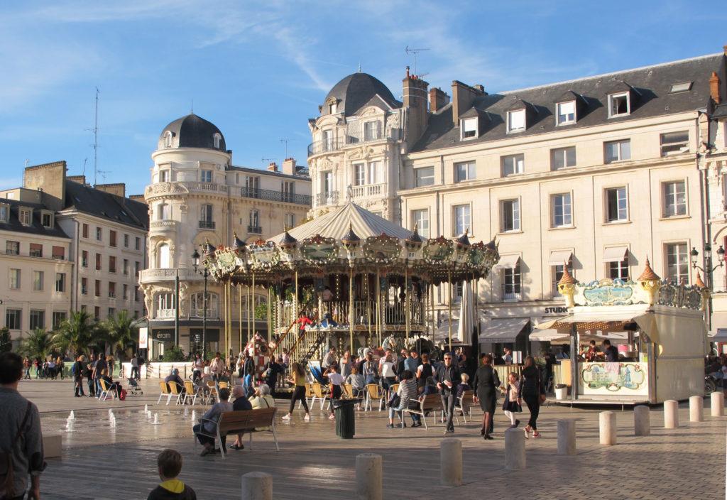 Etape Place du Martroi sur mon circuit pour visiter Orléans à pied