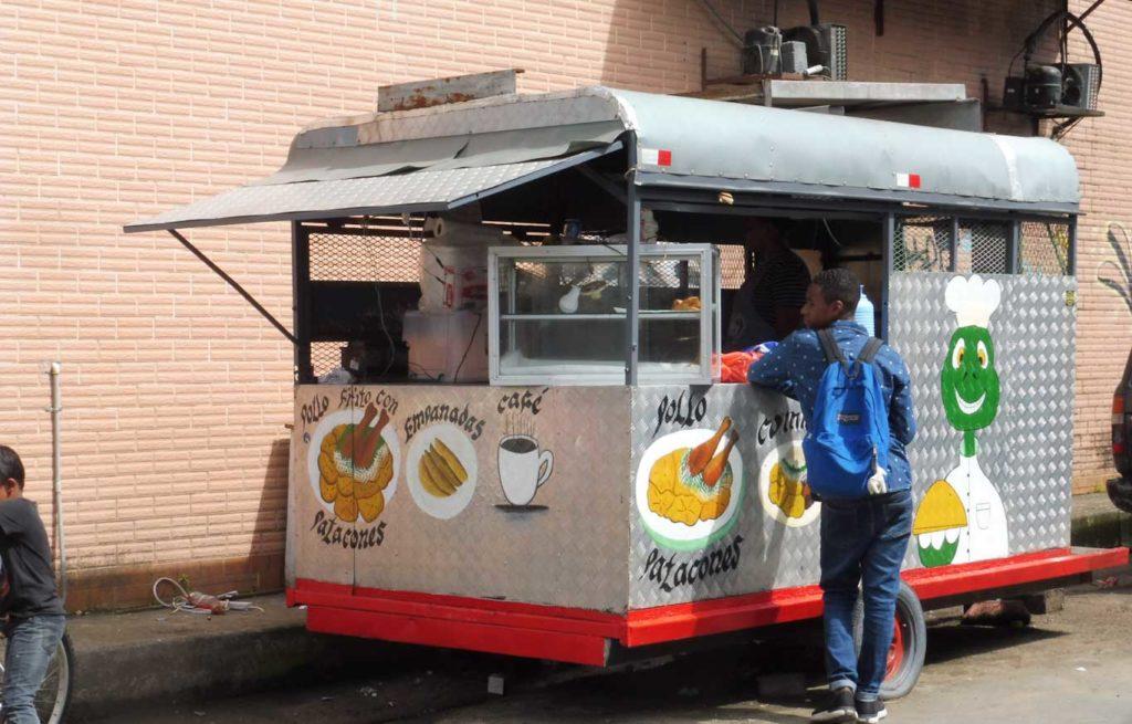 Visiter PANAMA CITY Vendeur de rue