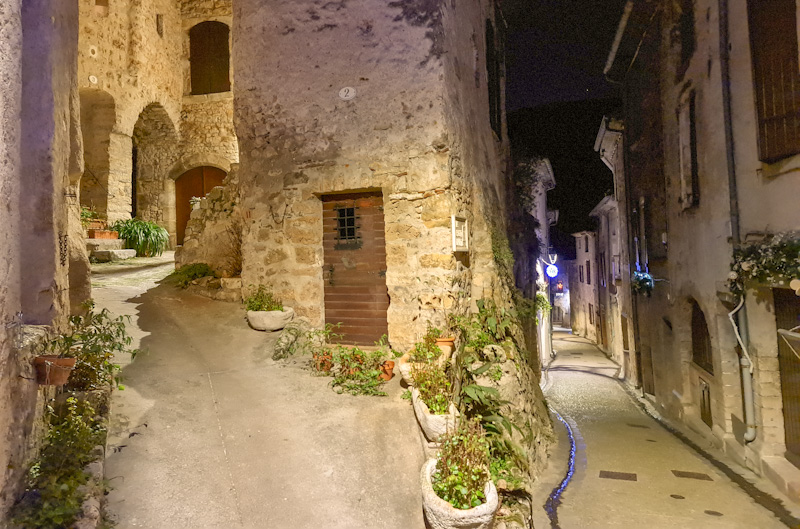 plus beau village de France : Saint Guilhem le Désert