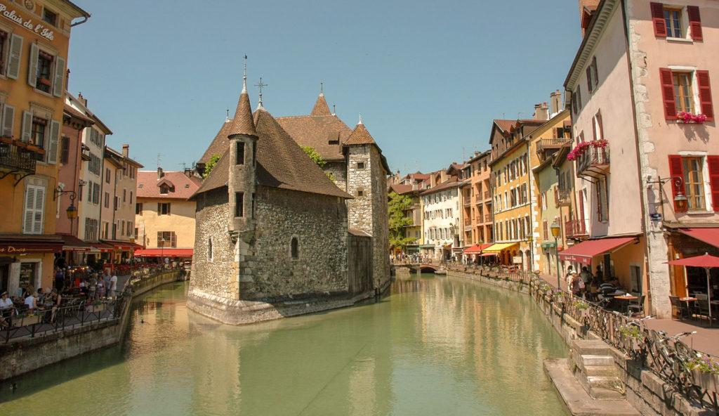 Annecy en 1 jour Itinéraire du matin avec le Palais de l'ILE
