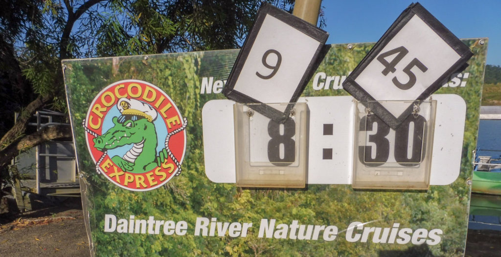 CROCODILE sur la Daintree River
