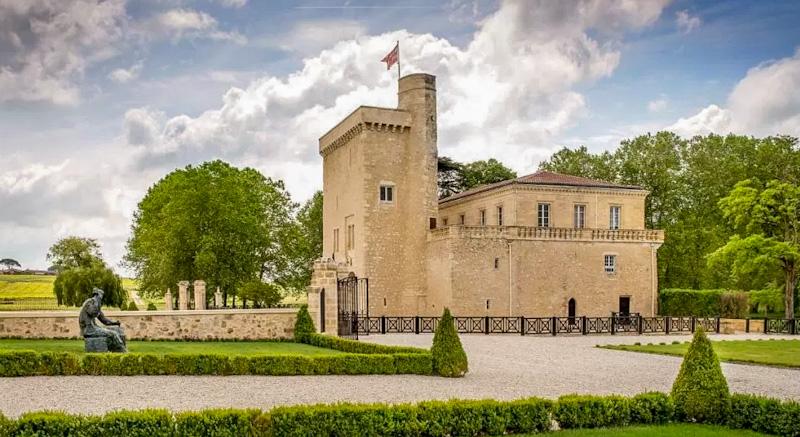 Dormir au Château La Tour Carnet étape de mon circuit sur la route des vins de Bordeaux
