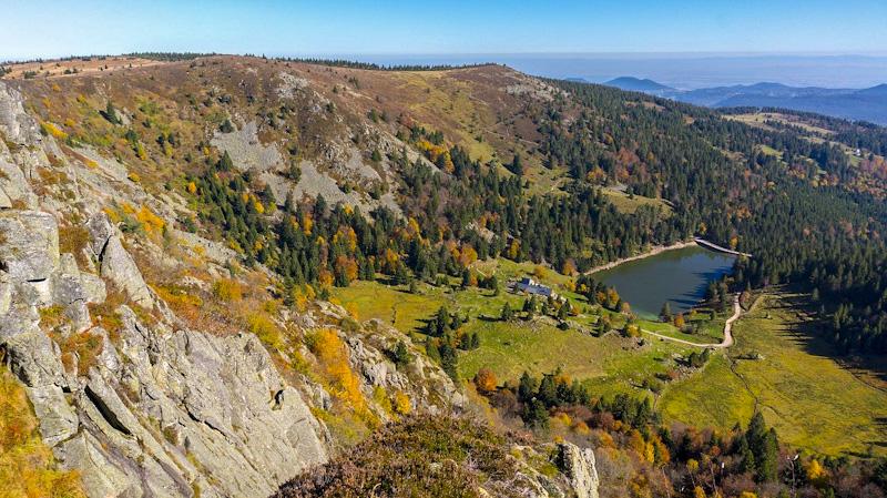 lac du Forlet sur la route des crêtes vosges en Alsace