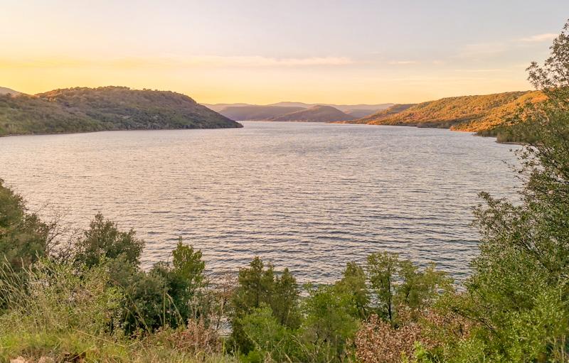 Lac du Salagou près de Saint Guilhem le Désert