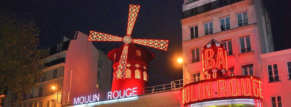 Moulin rouge à Paris pour mon circuit en France en voiture