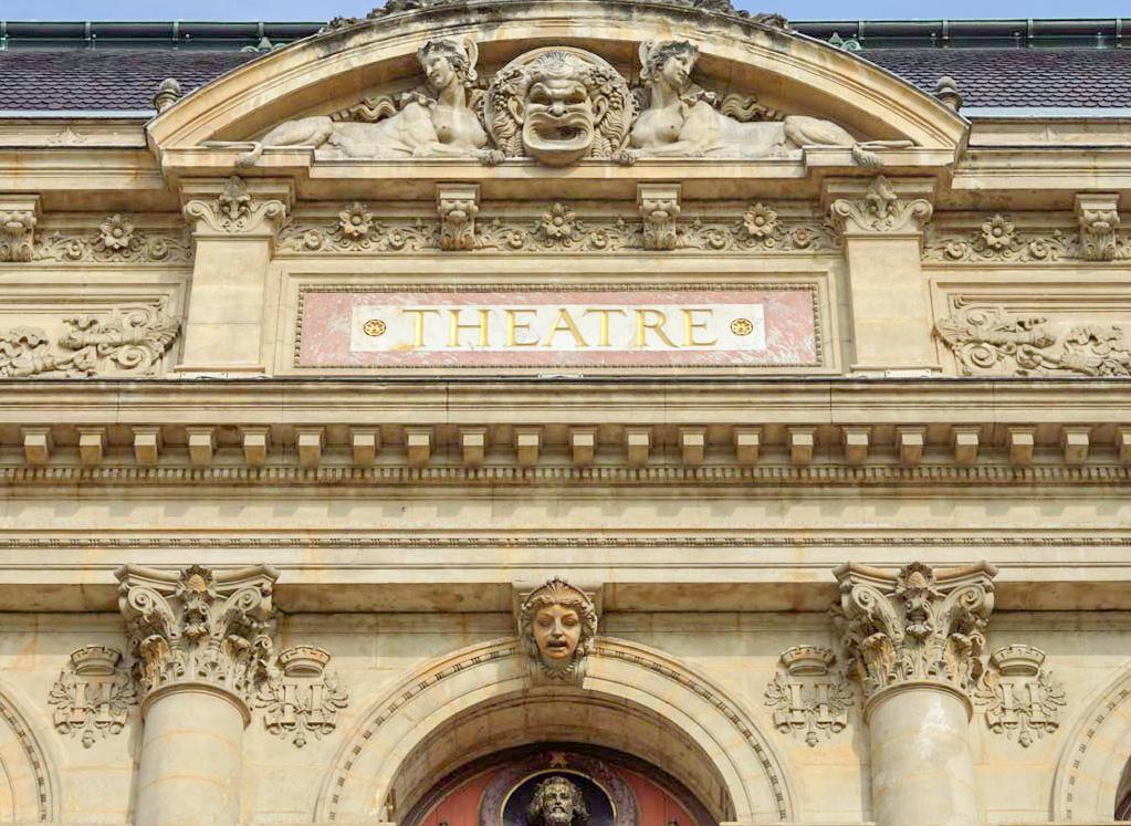 Une des plus belles places de Lyon, la Place des Jacobins et son théâtre à Lyon