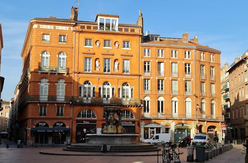 Place de la Trinité- Visiter Toulouse en 1 jour